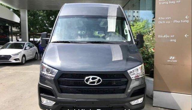 Cần bán Hyundai Solati đời 2018