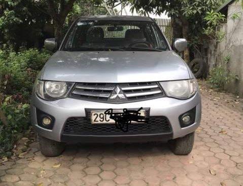 Bán xe bán tải Mitshubishi Triton đời 2009, đăng kí cuối 2010, xe cá nhân