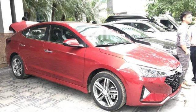 Bán Hyundai Elantra 1.6 Tubor năm 2019, màu đỏ, đầy đủ các phiên bản, màu sắc