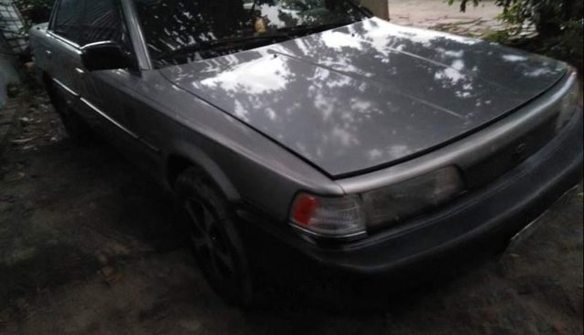 Bán chiếc xe Toyota Camry 1988, xe đẹp, đăng kiểm mới xét, máy móc êm ru, chạy đầm 140km/h