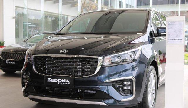Kia Sedona - giảm giá tiền mặt / tặng bảo hiểm + camera hành trình - liên hệ PKD Kia Bình Tân 093 317 0660