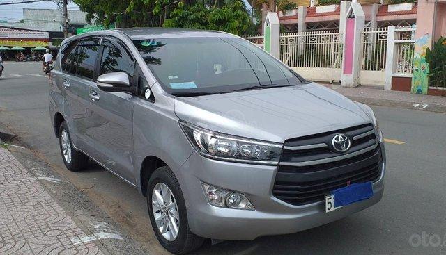 Bán ô tô Toyota Innova 20.E 2016, màu bạc