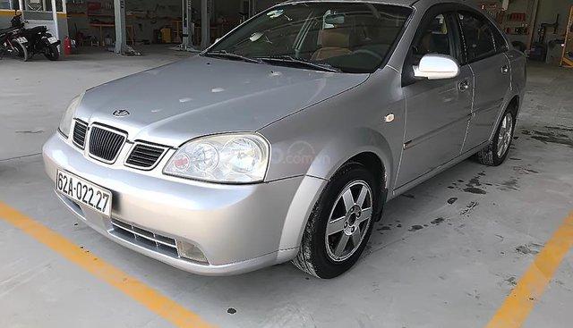 Cần bán lại xe Daewoo Lacetti Max 1.8 MT sản xuất 2004, màu bạc
