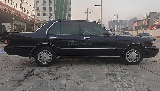 Bán xe Toyota Crown 3.0 đời 1993, màu đen, xe nhập
