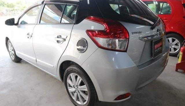 Bán Toyota Yaris đời 2016, màu bạc, nhập khẩu, giá tốt
