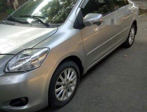 Cần bán Toyota Vios sản xuất năm 2009, màu bạc, xe gia đình đang đi