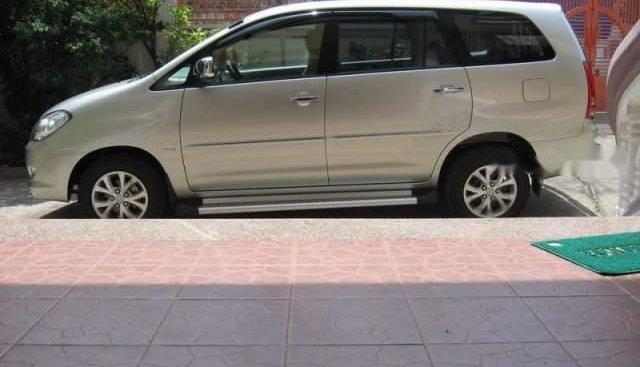 Cần bán xe Toyota Innova 2010, xe chăm sóc kĩ, chạy êm