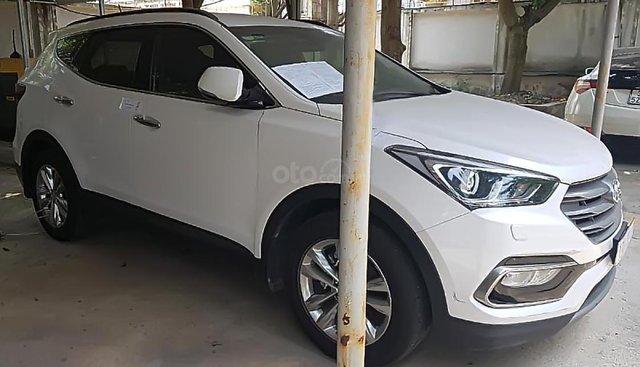 Cần bán xe Hyundai Santa Fe 2.2 CRDI đời 2018, màu trắng