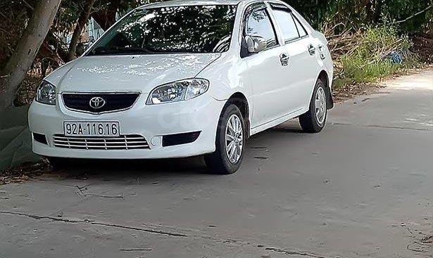 Bán xe Toyota Vios sản xuất năm 2004, màu trắng