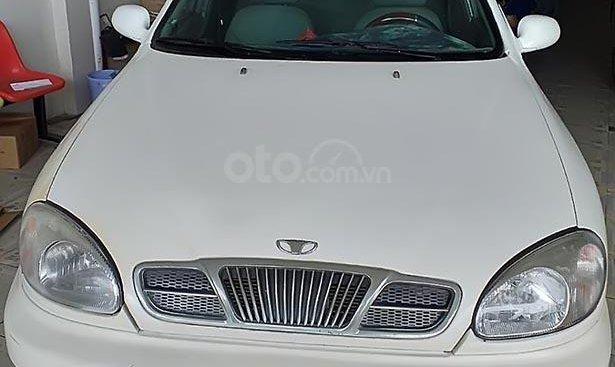 Cần bán gấp Daewoo Lanos đời 2002, màu trắng, xe nhập