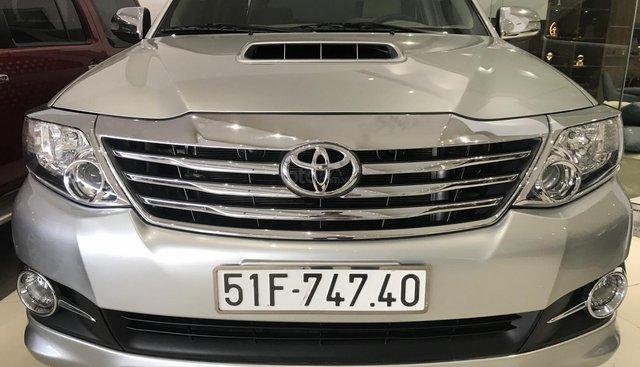 Toyota Fortuner 2.4G 2016, máy dầu