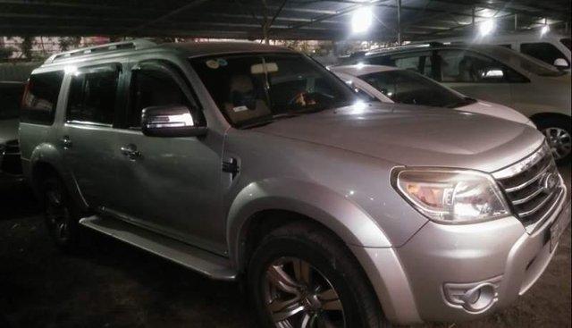 Cần bán gấp Ford Everest đời 2012, xe nhà mới bảo dưỡng và đăng kiểm