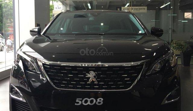 Bán xe Peugeot 5008 đời 2019, màu đen