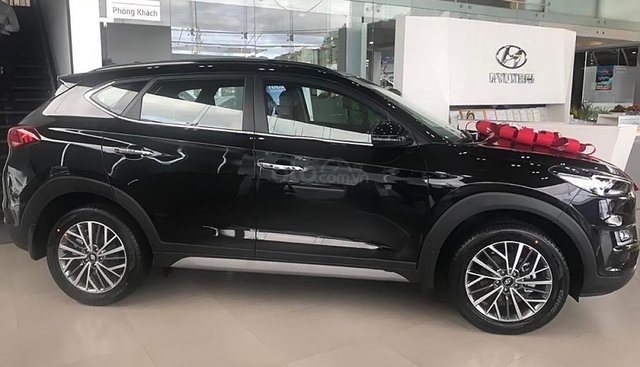 Bán ô tô Hyundai Tucson 2.0 AT CRDi 2019, màu đen