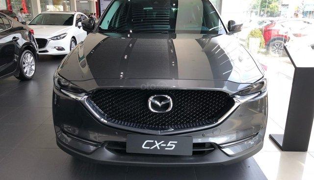Bán Mazda CX5 2.5 2WD SK 2018 giảm 30tr, BHVC, phủ gầm, thảm 6D và các PK chính hãng đi kèm