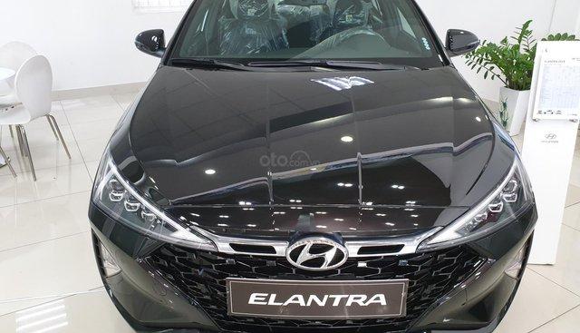 Bán xe elantra 2019 giá tốt tặng 20tr phụ kiện