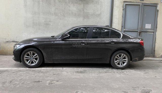 Xe chính chủ bán BMW 320i model 2017 màu nâu Havana nội thất kem cực hiếm, giá tốt