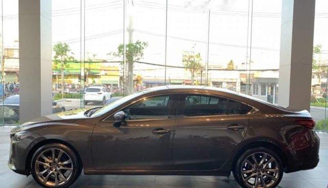 Bán Mazda 6 Premium 2.5L 2018, hoàn toàn mới