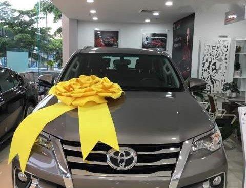Cần bán xe Toyota Fortuner sản xuất năm 2019, màu xám
