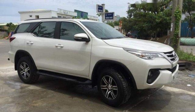 Bán xe Toyota Fortuner sản xuất năm 2017, màu trắng xe gia đình, giá 975tr