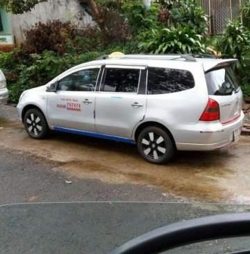 Cần bán gấp Nissan Grand Livina 2012, xe nhập, xe đang kinh doanh dịch vụ taxi