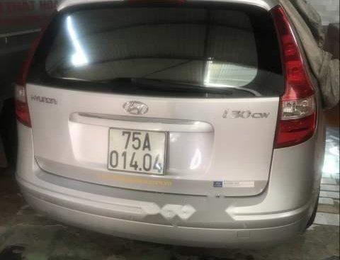 Cần bán Hyundai i30 CW sản xuất năm 2012, màu bạc, nhập khẩu Ấn Độ