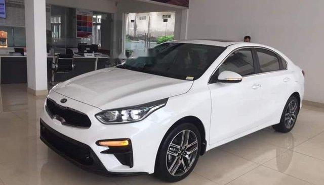 Bán Kia Cerato 1.6MT sản xuất 2019, màu trắng, mới 100%