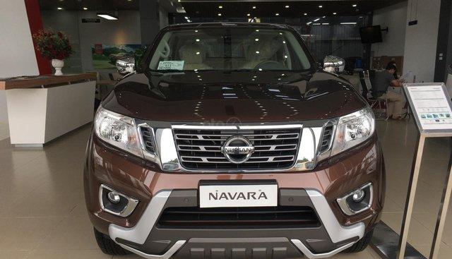 Nissan Navara EL đời 2019, màu nâu, nhập khẩu nguyên chiếc giá tốt