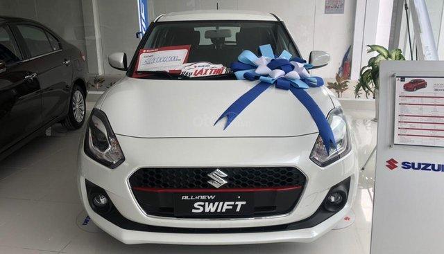 Suzuki Swift GLX nhập khẩu Thái Lan giảm 10 triệu cho 1 chiếc duy nhất màu trắng
