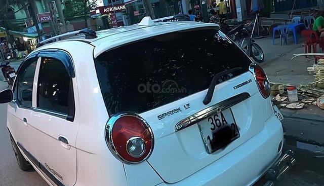 Bán Chevrolet Spark LT 0.8 MT 2009, màu trắng, xe gia đình