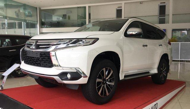 """""""Hot"""" Bán xe Mitsubishi Pajero Sport, máy dầu, trả góp 80%, LH: 0935.782.728 để nhận nhiều ưu đãi, KM lớn nhất trong năm"""