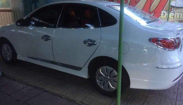 Bán Hyundai Avante 2015, màu trắng, nhập khẩu còn mới
