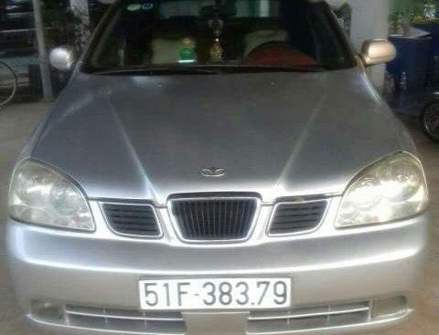Bán Daewoo Lacetti sản xuất năm 2004, màu bạc xe gia đình