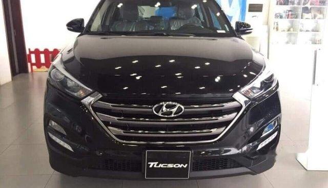 Cần bán Hyundai Tucson sản xuất 2018, màu đen