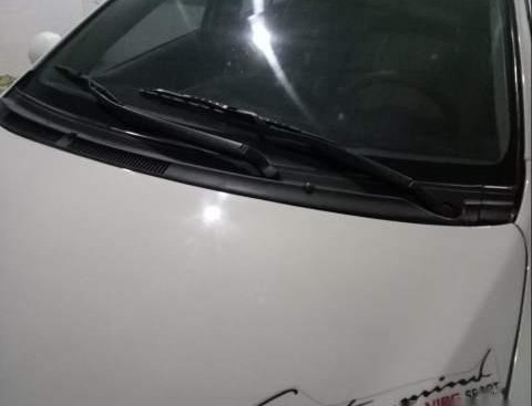 Cần bán Toyota Vios năm 2013, màu trắng