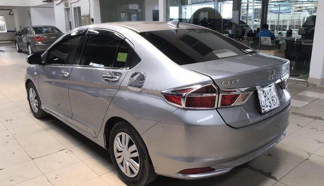 Bán Honda City 1.5MT màu bạc, số sàn, sản xuất 2016, biển Sài Gòn, xe gia đình
