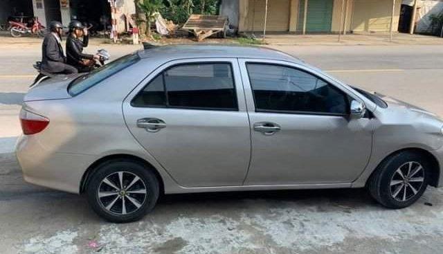 Bán gấp Toyota Vios năm 2006, màu bạc, xe nhập số sàn giá cạnh tranh