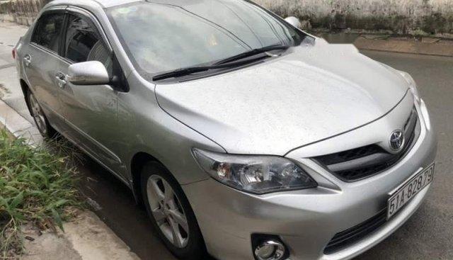 Bán Toyota Corolla altis 2.0V đời 2014, màu bạc, giá 540tr