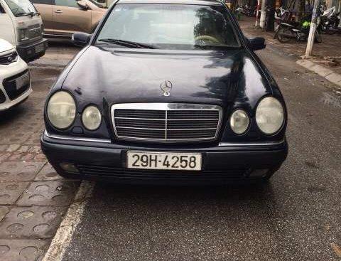 Bán Mercedes C230 đời 1996, màu đen, nhập khẩu