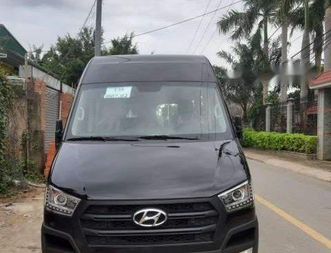 Cần bán xe Hyundai Solati sản xuất 2019, màu đen
