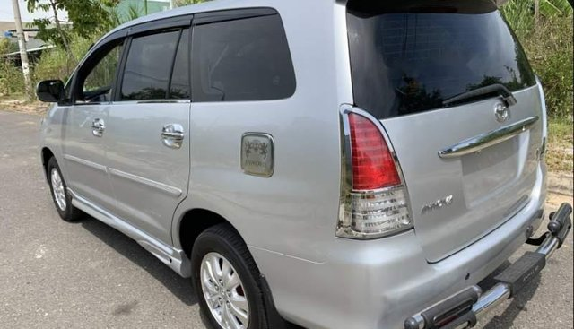 Cần bán gấp Toyota Innova G sản xuất 2009, màu bạc, giá 337tr
