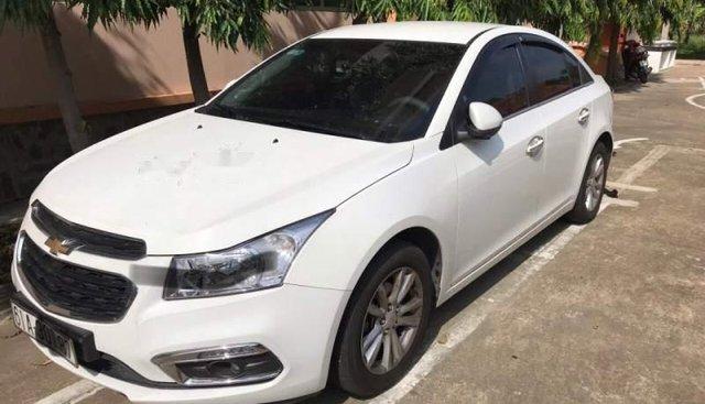Bán Chevrolet Cruze đời 2016, màu trắng, nhập khẩu