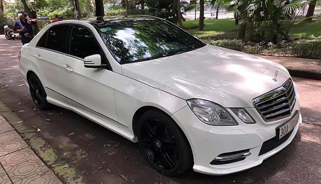 Cần bán lại xe Mercedes E300 AMG đời 2012, màu trắng