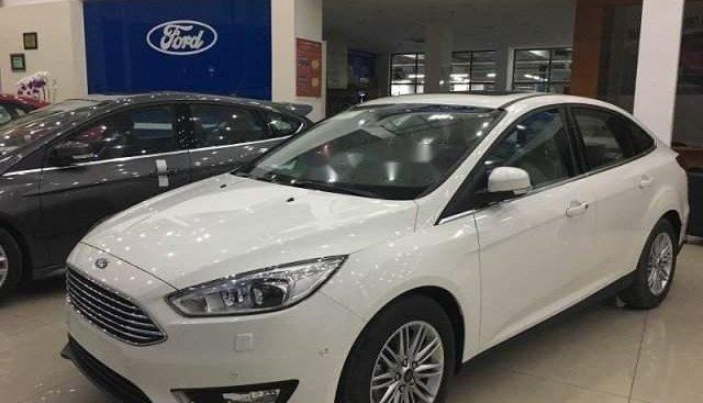 Bán xe Ford Focus sản xuất năm 2019, màu trắng