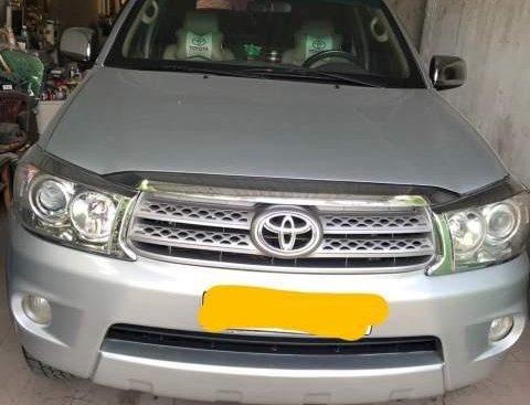 Bán Toyota Fortuner 2011, màu bạc, 535tr