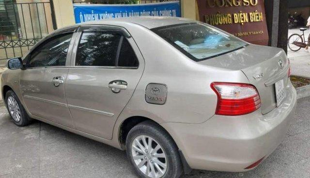 Bán Toyota Vios đời 2010, màu ghi vàng
