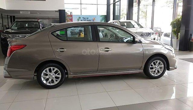 Bán xe Nissan Sunny XV Premium đời 2019, màu xám