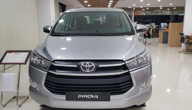 Bán Toyota Innova 2.0E năm 2019, màu bạc, mới 100% giao ngay giá tốt