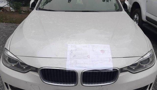 BMW 320i sản xuất 2013, đăng ký 2013 biển 30A