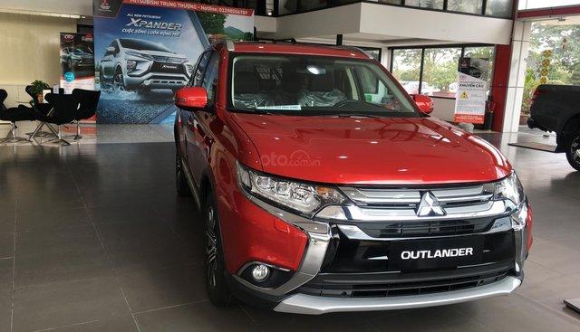 Cần bán Mitsubishi Outlander 2.0L Premium sản xuất năm 2019, màu đỏ, nhập khẩu nguyên chiếc, giá cạnh tranh